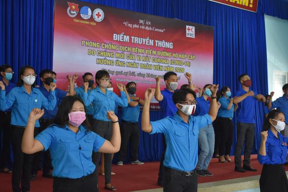 Nhảy flashmob Ghen Cô Vy tuyên truyền chống dịch - Ảnh 3.