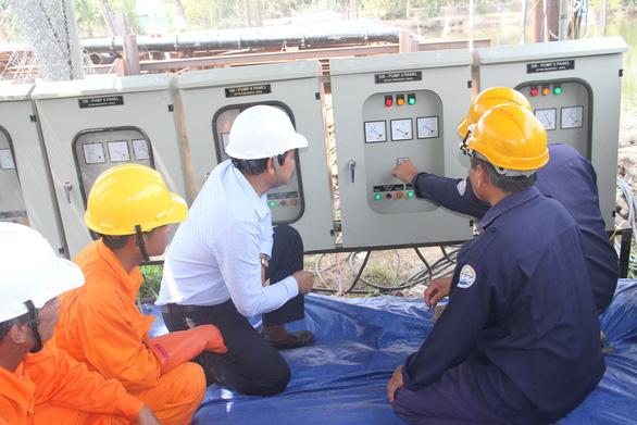EVN SPC tăng cường cấp điện chống hạn mặn tại miền Tây Nam Bộ - Ảnh 1.
