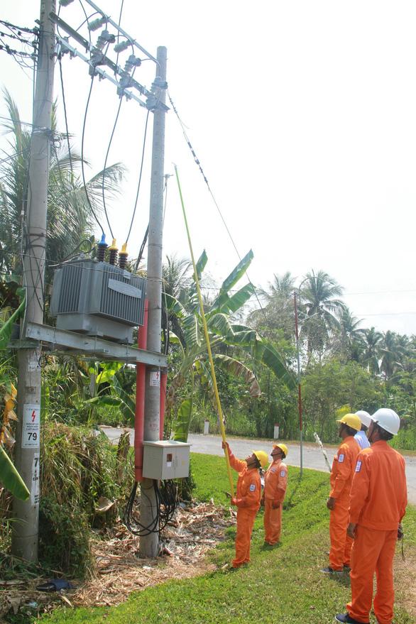 EVN SPC tăng cường cấp điện chống hạn mặn tại miền Tây Nam Bộ - Ảnh 2.