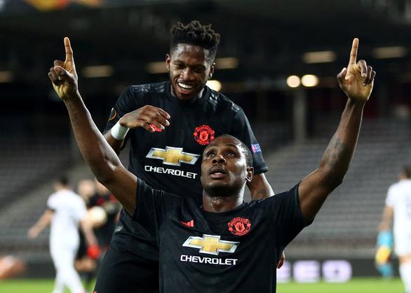 Ighalo tỏa sáng giúp Manchester United đặt một chân vào tứ kết - Ảnh 1.