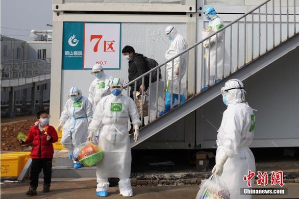 Các bệnh viện ở Vũ Hán sẽ hoạt động bình thường cuối tháng 3 - Ảnh 1.