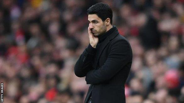 HLV Mikel Arteta bị nhiễm COVID-19, hoãn trận  Arsenal gặp Brighton - Ảnh 1.