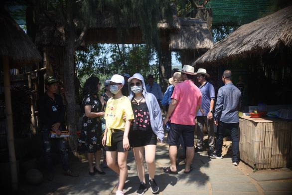 Hội An, Phú Yên dừng các hoạt động tham quan du lịch - Ảnh 2.