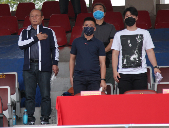 Sân Lạch Tray: Hải Phòng và Quảng Nam bất phân thắng bại - Ảnh 2.