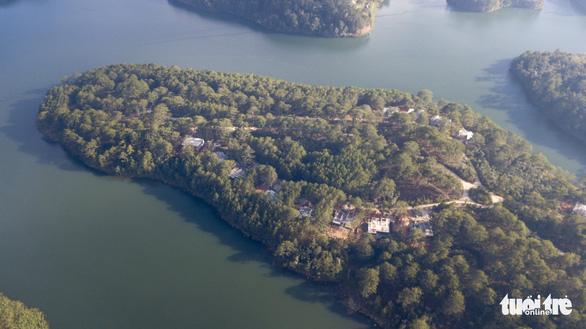 Đình chỉ thi công bệnh viện lấn rừng phòng hộ hồ Tuyền Lâm - Ảnh 1.