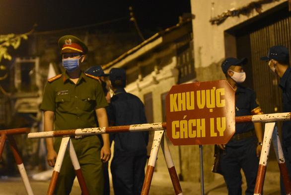 0h ngày 13-3, Bình Thuận cách ly hai tuyến đường, nơi cư trú nhiều bệnh nhân COVID-19 - Ảnh 6.