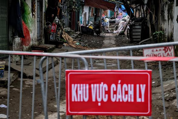 Hà Nội tìm công dân nhập cảnh từ 1-3, xét nghiệm COVID-19 miễn phí - Ảnh 1.