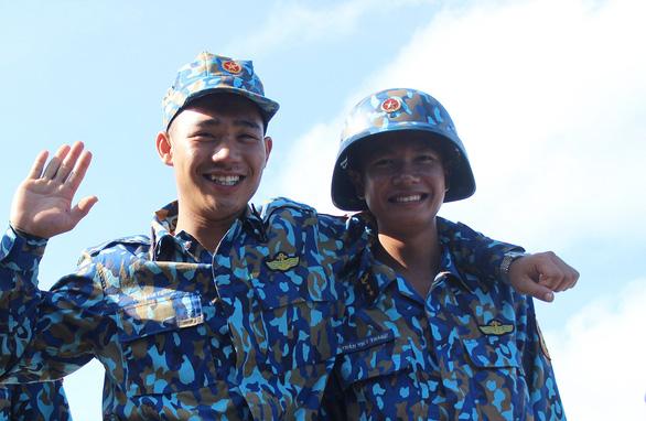 Tuổi 20 Trường Sa - Kỳ 1: Lính trẻ nơi đầu sóng - Ảnh 2.