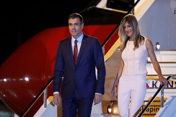 Phu nhân Thủ tướng Tây Ban Nha dương tính với viurs corona chủng mới - Ảnh 1.