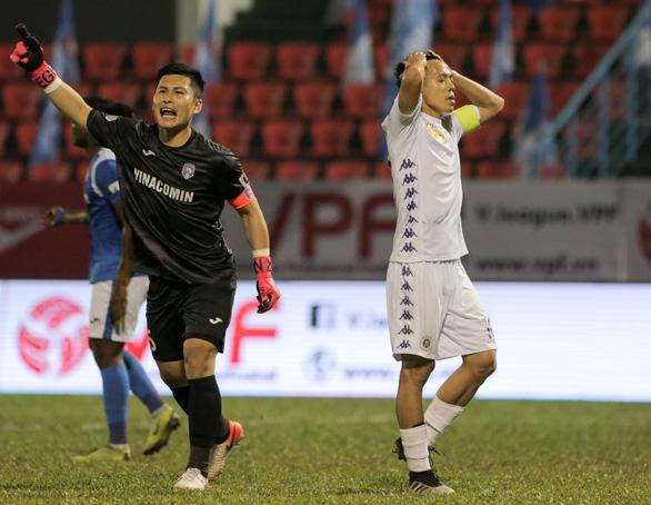 Thua Than Quảng Ninh, trợ lý HLV Hà Nội FC tự so sánh đội nhà với Liverpool - Ảnh 1.