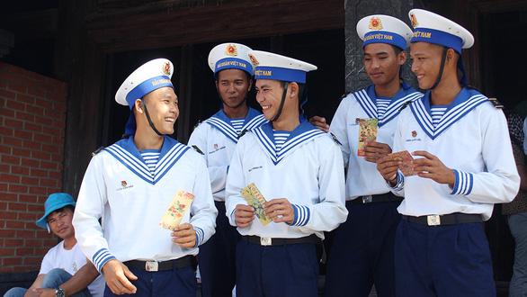 Tuổi 20 ở Trường Sa - Kỳ 2: Trai Sài Gòn ở Trường Sa - Ảnh 2.