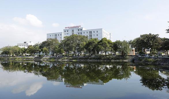 Quảng Ninh: Bệnh viện Lao phổi dừng nhận bệnh nhân mới để ngăn dịch COVID-19 - Ảnh 1.