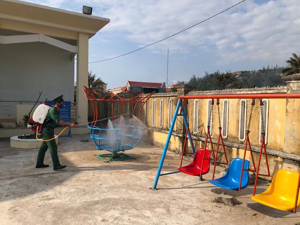 Thanh niên giúp dân xã đảo phòng chống COVID-19 - Ảnh 2.