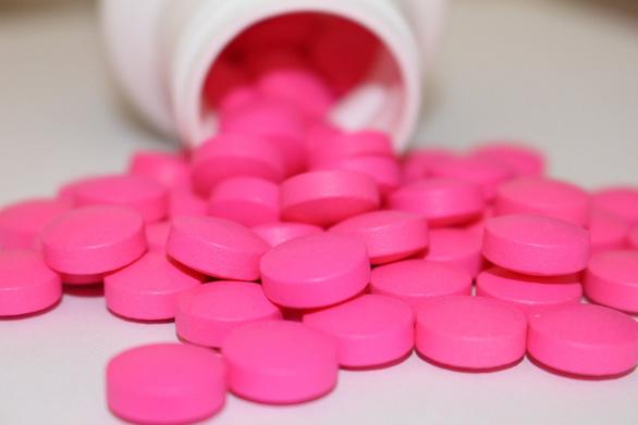 Bộ Y tế Pháp: Mùa dịch, phải cẩn thận với thuốc kháng viêm - Ảnh 1.