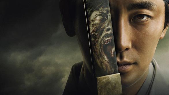 Phim Kingdom lý giải dịch zombie có nguồn gốc từ đói khát quyền lực - Ảnh 2.