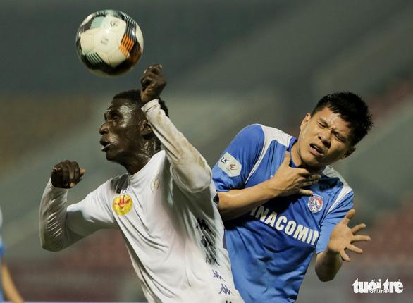 Thua Than Quảng Ninh, trợ lý HLV Hà Nội FC tự so sánh đội nhà với Liverpool - Ảnh 2.