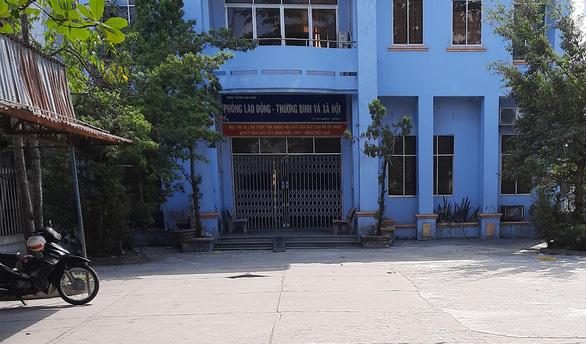 Điều tra 1 trưởng phòng lao động ở Kiên Giang ăn tiền Tết của hộ nghèo - Ảnh 1.