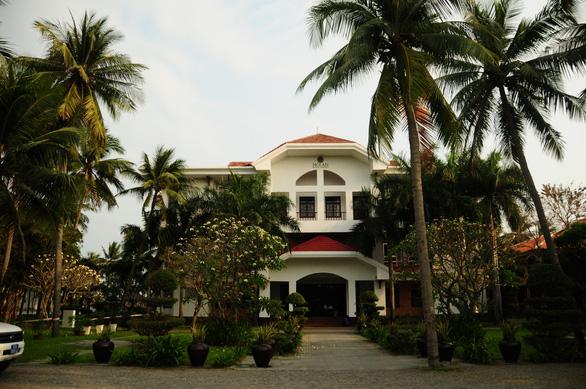Vì sao Quảng Nam cách ly khách nước ngoài tại resort 4 sao? - Ảnh 1.