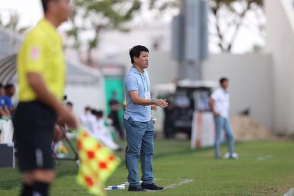 Bóng đá thế giới có lẽ phải học V-League - Ảnh 1.