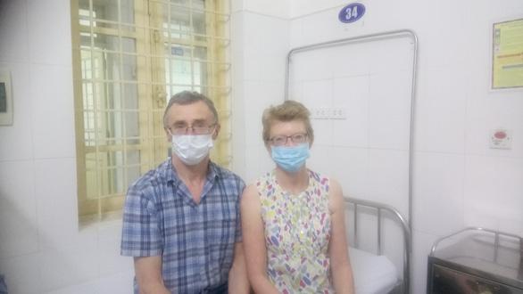 Từ khu cách ly, cặp vợ chồng người Anh gửi thư cảm ơn Việt Nam - Ảnh 1.