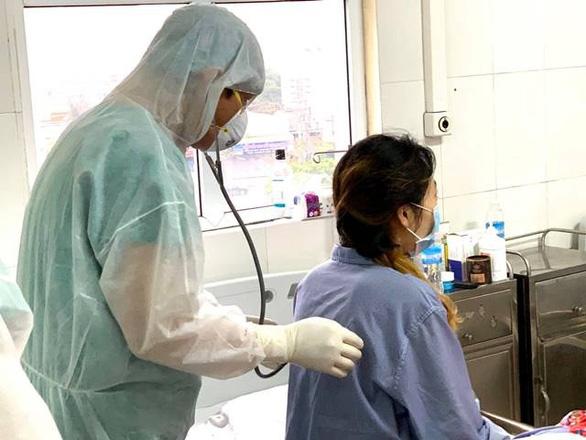 Thêm một người ở TP.HCM lây COVID-19 từ bệnh nhân 34 siêu lây nhiễm - Ảnh 1.