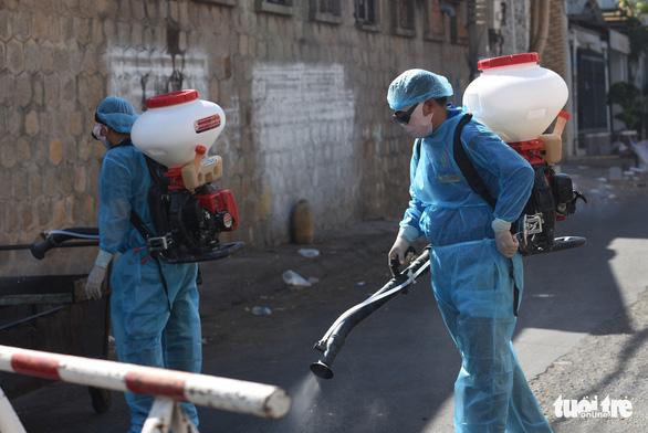 Bình Thuận có 46 người tiếp xúc gần với bệnh nhân 34 siêu lây nhiễm - Ảnh 1.