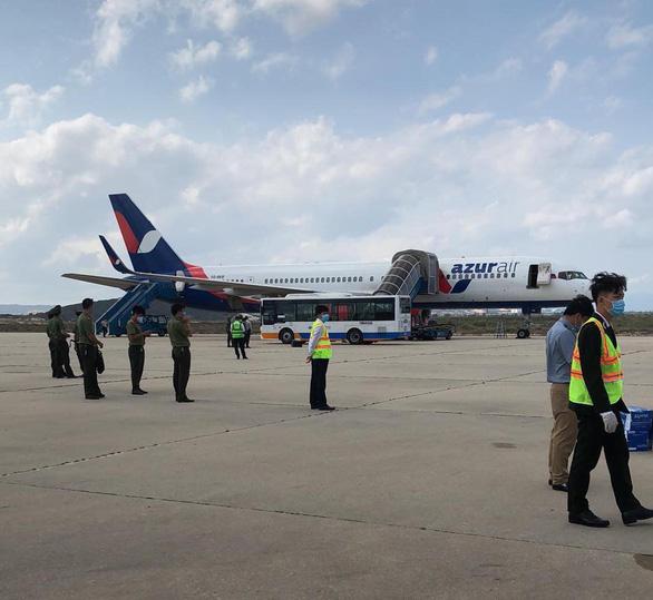 Máy bay Nga chuẩn bị đáp xuống Cam Ranh nhận được tin báo có bom - Ảnh 1.