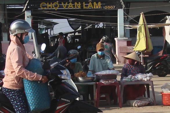Ninh Thuận cách ly thôn có bệnh nhân COVID-19 thứ 61 cư trú - Ảnh 1.