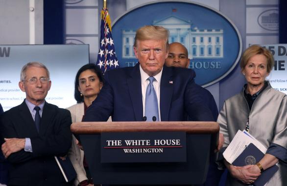 Ông Trump tin cuộc sống sẽ trở lại bình thường sớm nhất vào tháng 7 - Ảnh 1.
