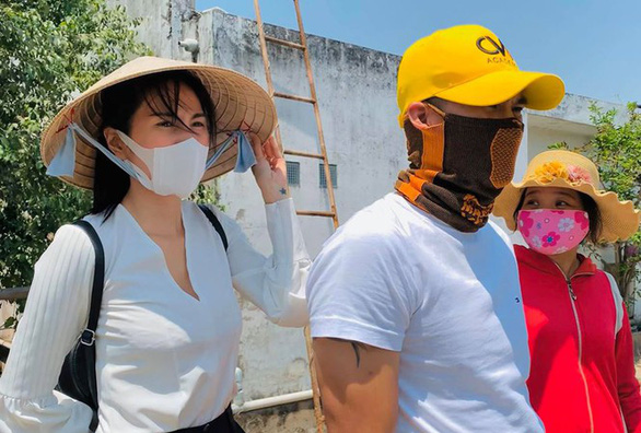 Thủy Tiên - Công Vinh: Đồng vợ đồng chồng, nước mặn cũng thành nước ngọt - Ảnh 2.