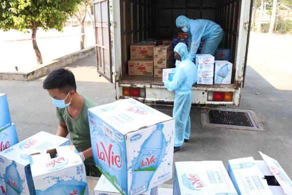 Saigon Co.op đảm bảo lương thực, thực phẩm cho bệnh viện dã chiến - Ảnh 1.