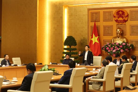 Người Việt ở nước ngoài cân nhắc về nước, di chuyển bằng hàng không hiện rất khó khăn - Ảnh 1.