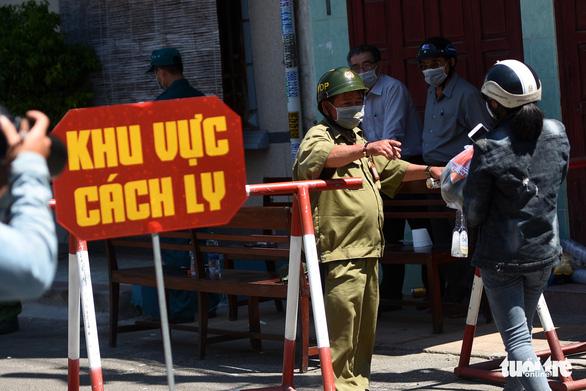 Bệnh viện Chợ Rẫy hỗ trợ Bình Thuận chống COVID-19 - Ảnh 1.