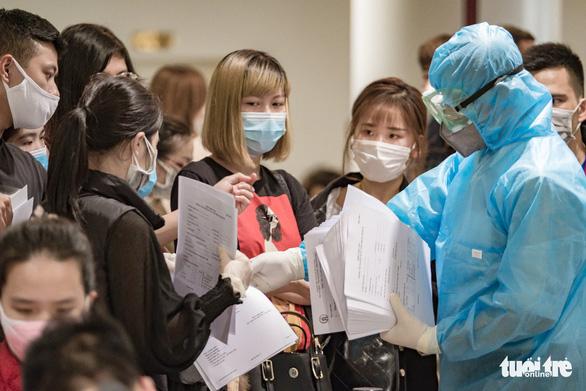 280 bác sĩ, y tá về hưu ở Hà Nội mong được cùng chống dịch COVID-19 - Ảnh 1.