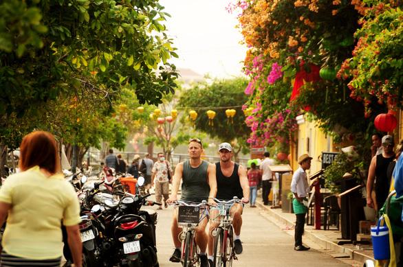 Khách Việt là điểm tựa duy nhất để ngành du lịch sống sót qua dịch - Ảnh 6.