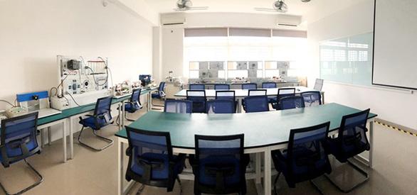 Tiếp cận lò đào tạo điện - điện tử tại Đai học Duy Tân - Ảnh 10.