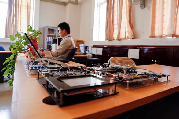 Tiếp cận lò đào tạo điện - điện tử tại Đai học Duy Tân - Ảnh 12.