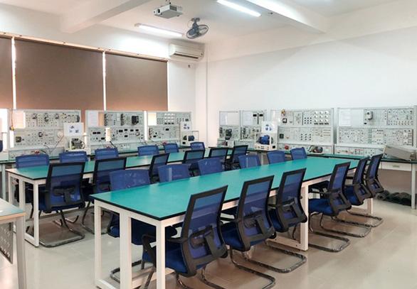 Tiếp cận lò đào tạo điện - điện tử tại Đai học Duy Tân - Ảnh 13.