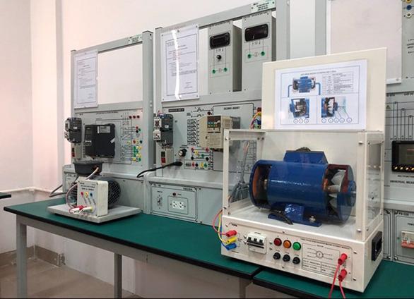 Tiếp cận lò đào tạo điện - điện tử tại Đai học Duy Tân - Ảnh 14.