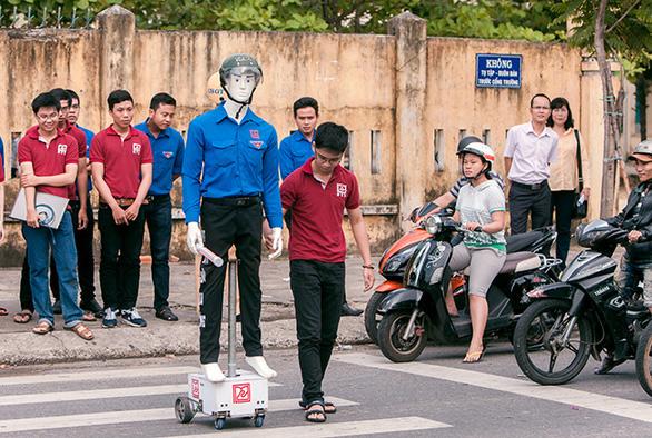 Tiếp cận lò đào tạo điện - điện tử tại Đai học Duy Tân - Ảnh 17.