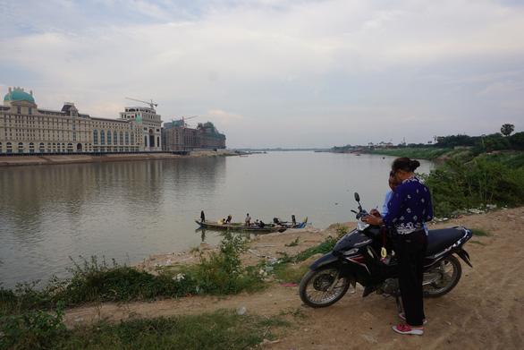 Campuchia ngưng phát triển đập thủy điện trên sông Mekong - Ảnh 1.
