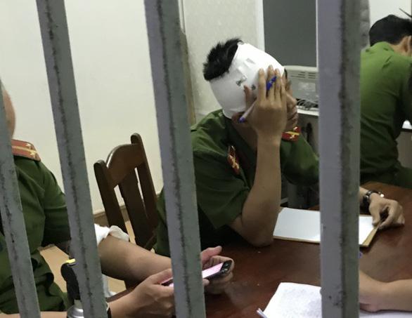 2 cán bộ công an phường bị chém khi xử lý tin báo của dân - Ảnh 3.