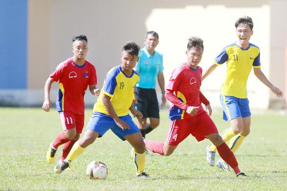 11 cầu thủ trẻ Đồng Tháp cá cược bị FIFA cấm thi đấu toàn thế giới - Ảnh 1.