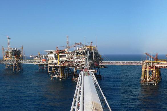 Có thể mất 2,3 tỉ USD khi giá dầu giảm sâu, PVN muốn tăng mua dầu thô - Ảnh 1.