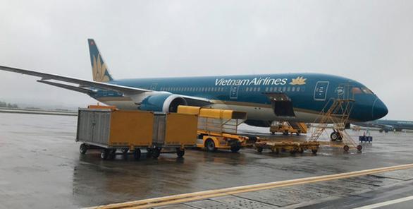 Các chuyến bay quốc tế tiếp tục đưa khách về Vân Đồn, Cần Thơ - Ảnh 1.