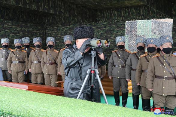 Triều Tiên phóng 2 vật thể bay không xác định - Ảnh 1.