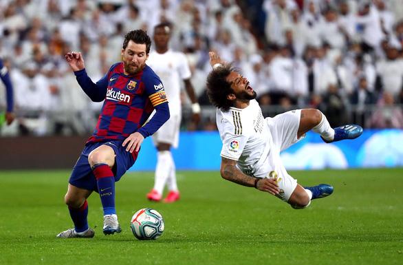 Thắng thuyết phục trận Siêu kinh điển, Real trở lại đỉnh bảng La Liga - Ảnh 2.