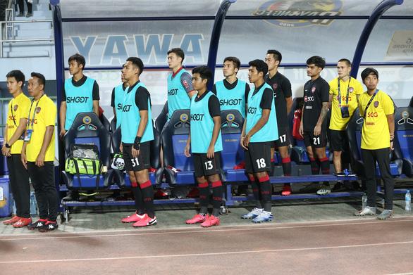 Chuyện gì đang xảy ra với Văn Lâm ở Muangthong United? - Ảnh 1.
