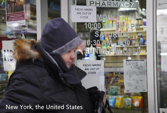Không bảo hiểm y tế, không dám nghỉ ốm, hàng triệu người Mỹ mong manh trước COVID-19 - Ảnh 2.