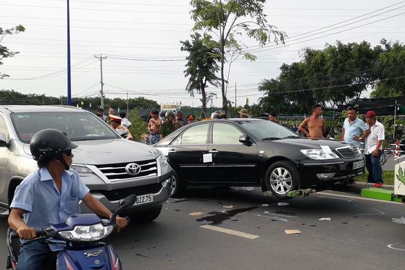 Truy tố nhóm giang hồ vây xe chở công an tại Đồng Nai - Ảnh 2.